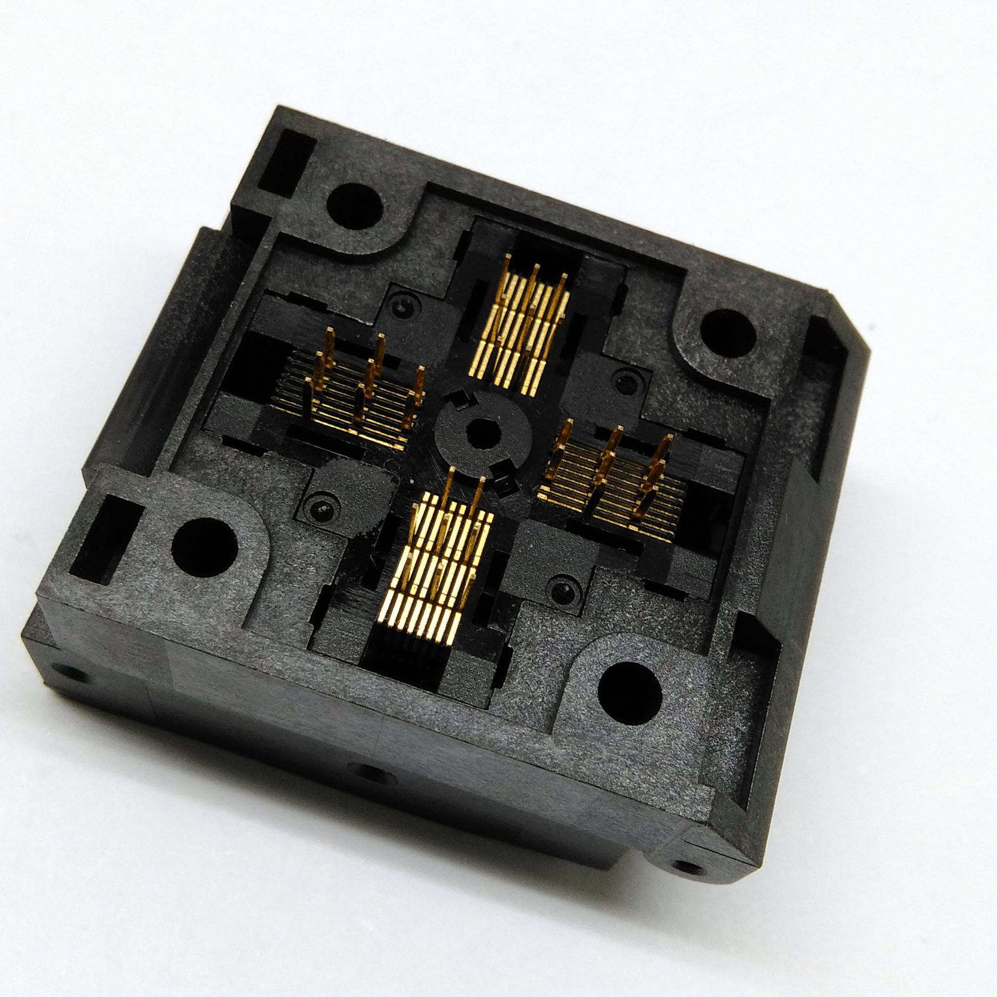 QFP32 TQFP32 LQFP32 Burn in Socket Pin Pitch 0.5mm IC Body Size 5x5mm IC51- 0324-805 Clamshell Test Socket Adapter